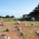 Creating the Celtic maze at Rock Barra